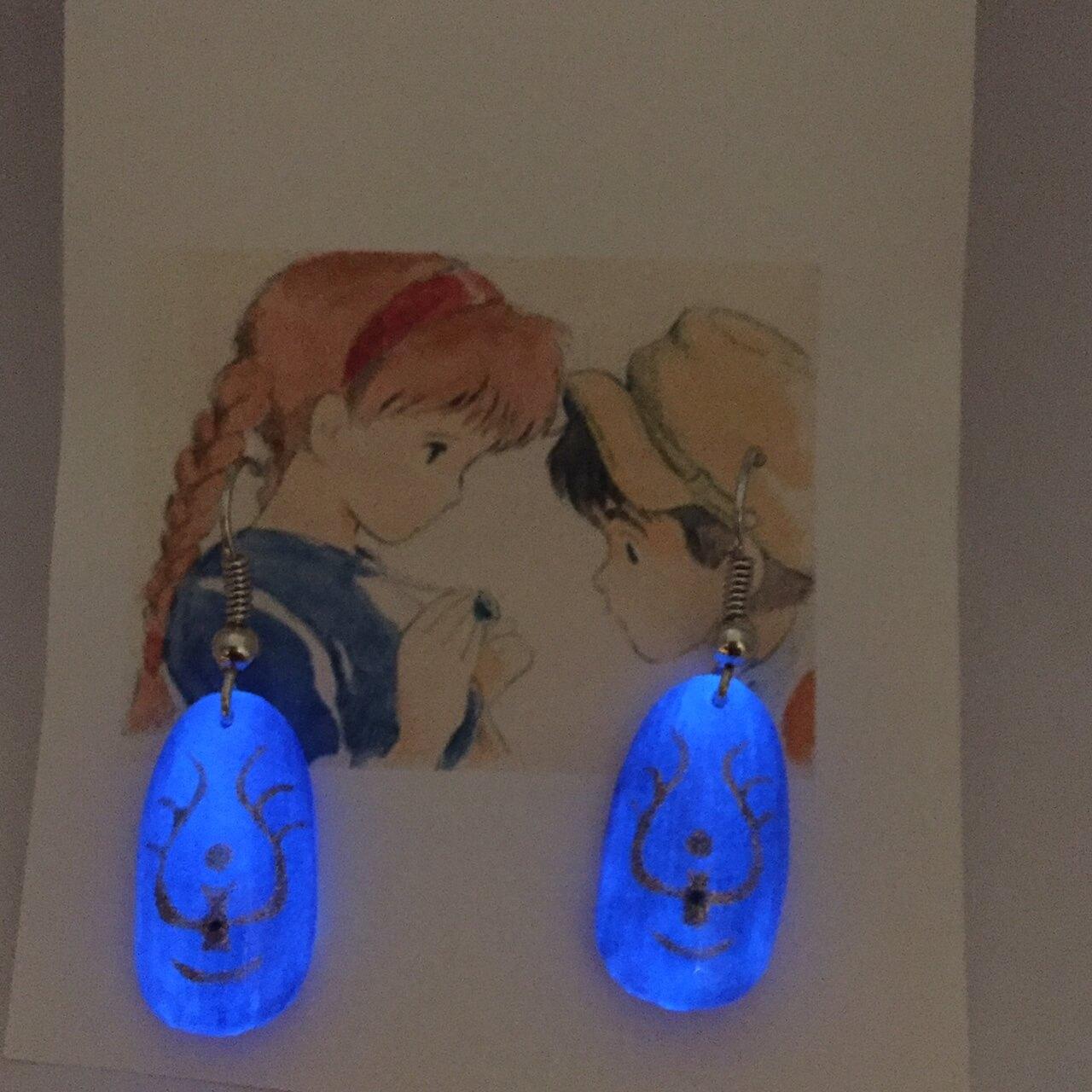 【ラピュタネイル】輝く!飛行石ネイルチップピアス